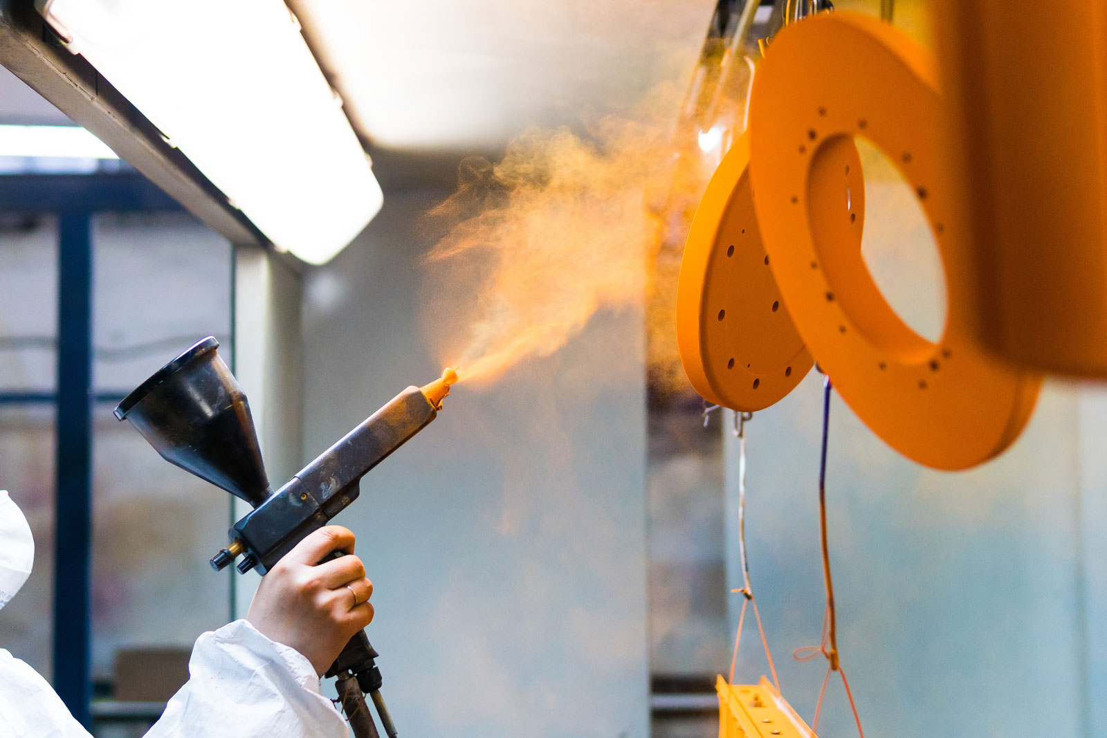The-Benefits-of-Powder-Coating-Finish-for-Metal-Fabrication